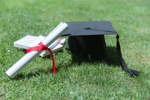 自考一个大专学历证书费用需要多少?如何报名?